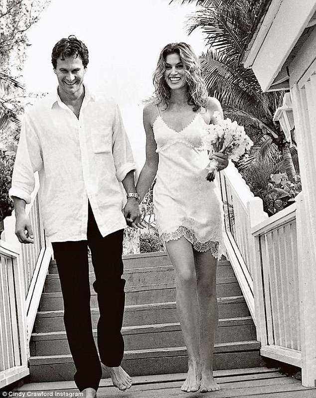 Cindy Crawford wedding dress